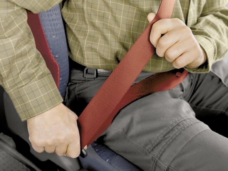 Policía Local se suma a la campaña de control del cinturón de seguridad y de sistemas de retención infantil