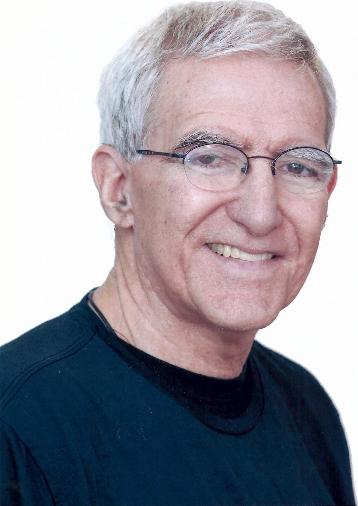 F.El catedrático de la Universidad de California Teófilo F. Ruiz, en el programa profesores distinguidos