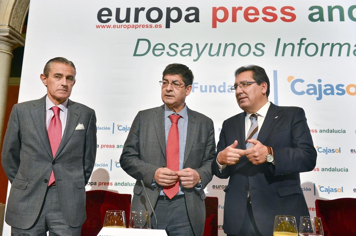 Valderas cree que el federalismo cosecharía más adeptos en Cataluña que «centralismo rancio» o «separatismo trasnochado»