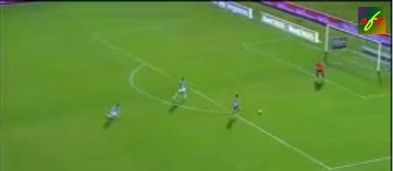 Villa marcó dos goles en dos minutos y selló la victoria del Atlético