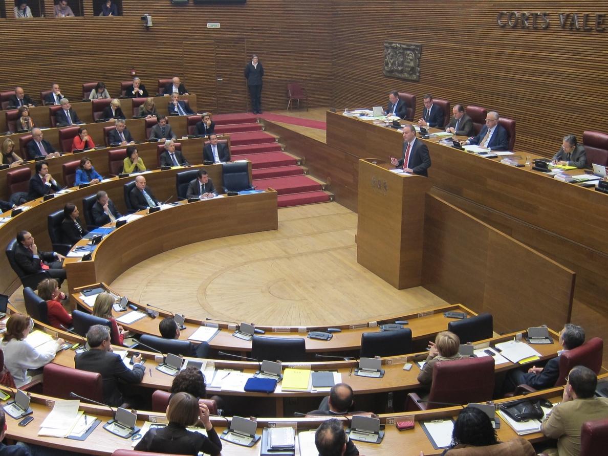 La oposición preguntará a Fabra en las Corts por desempleo, deuda y financiación autonómica