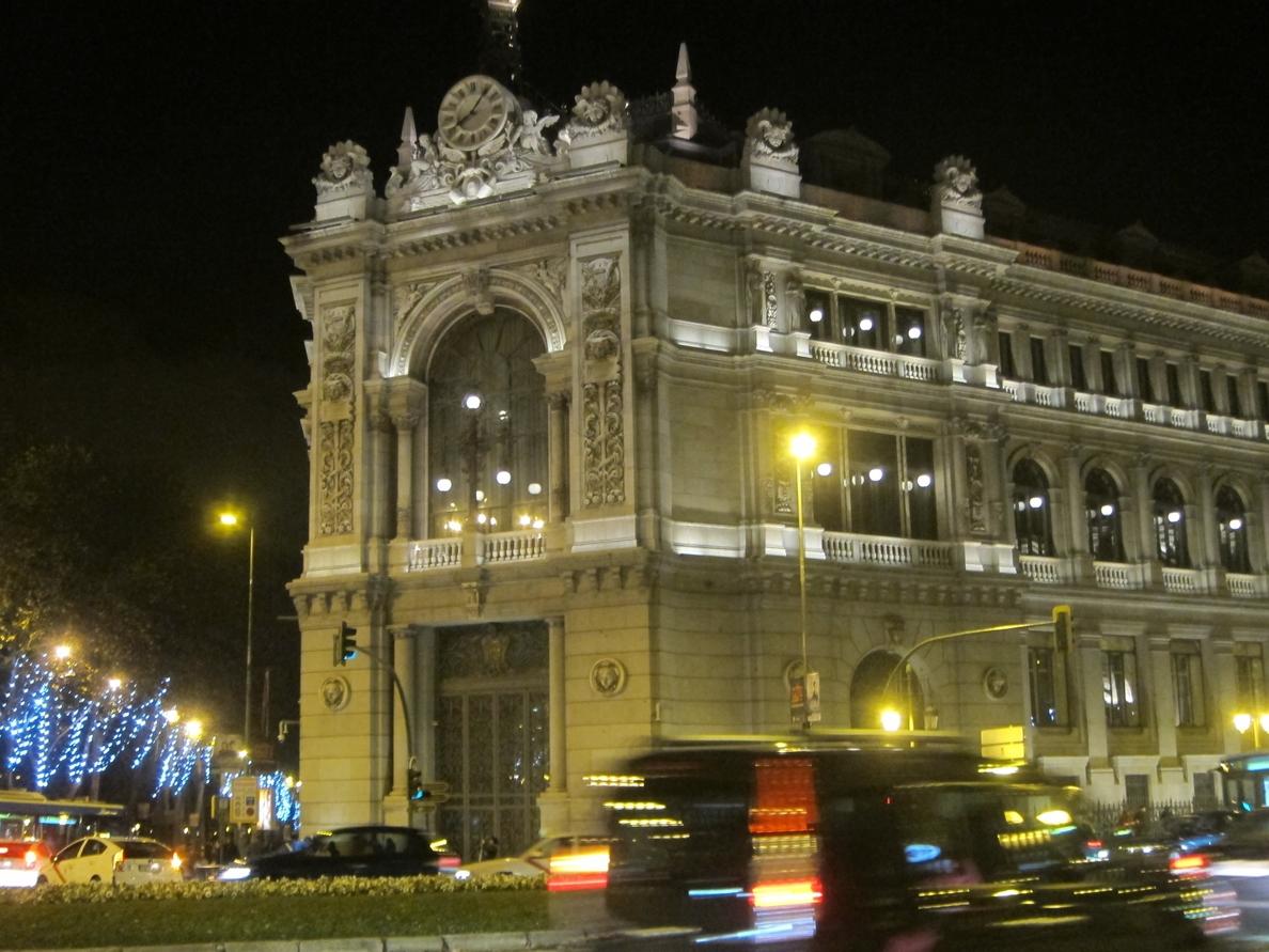 (Amp) El Banco de España cobrará una tasa a los bancos para financiar los 32,64 millones de los test de estrés