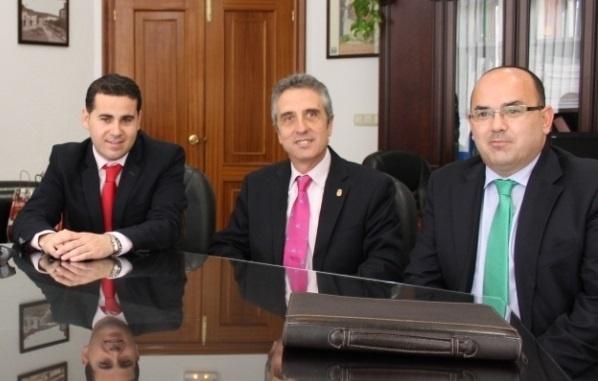 CajaSur ofrece financiación preferente al Ayuntamiento de Lucena por un total de 1,5 millones