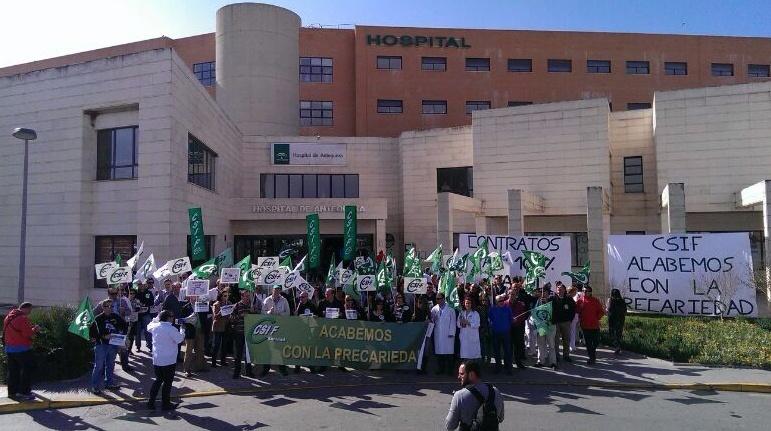 Delegados de Sanidad de CSIF-A se concentran en Antequera (Málaga) para reclamar contratos al 100% y mejoras laborales