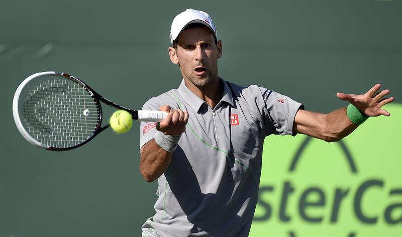 Djokovic elimina a Tommy Robredo y se clasifica para cuartos