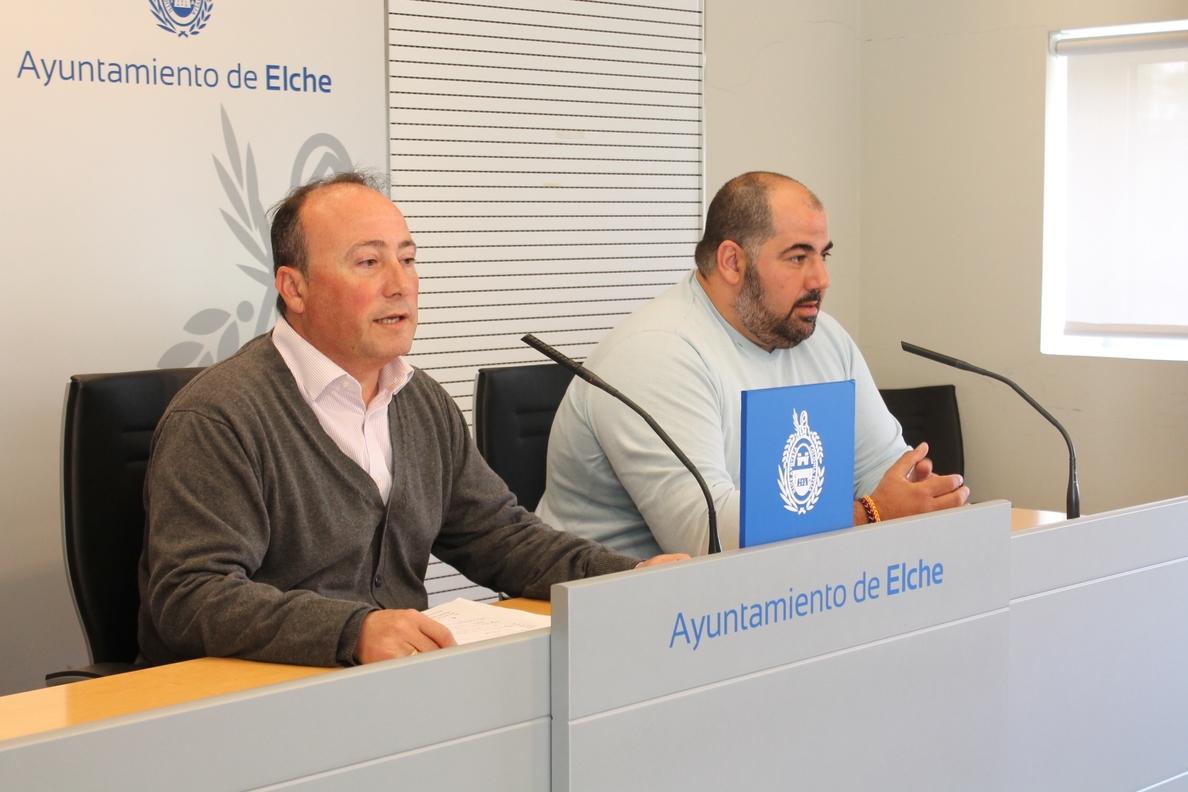 Elche anuncia que el aeropuerto instalará una barrera para evitar el acceso a los taxistas foráneos