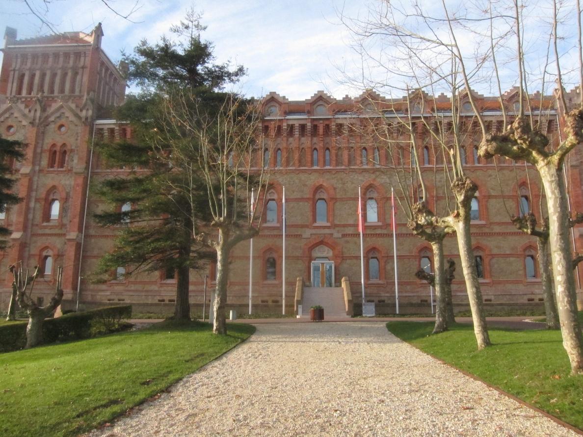 F.El castellano en los Estados Unidos centrará la conferencia del catedrático de la UCLA Teófilo F. Ruiz