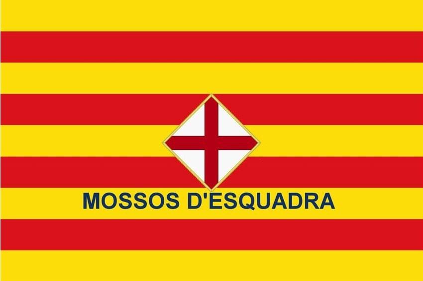 La Liga por la Laicidad rechaza que la bandera de Mossos incluya símbolos religiosos