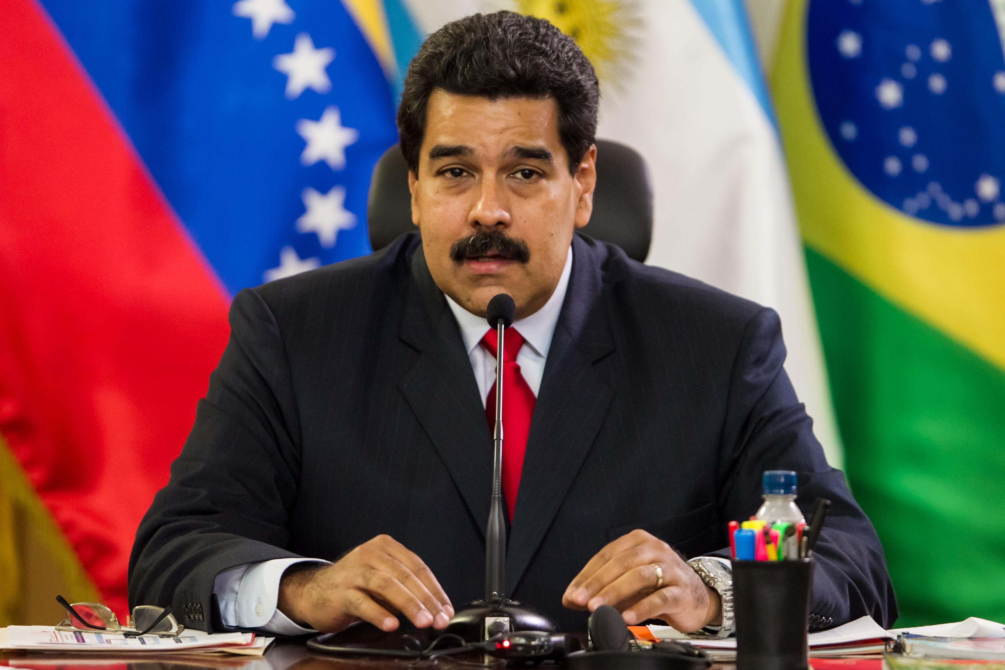 Maduro trata con los cancilleres suramericanos la crisis política venezolana