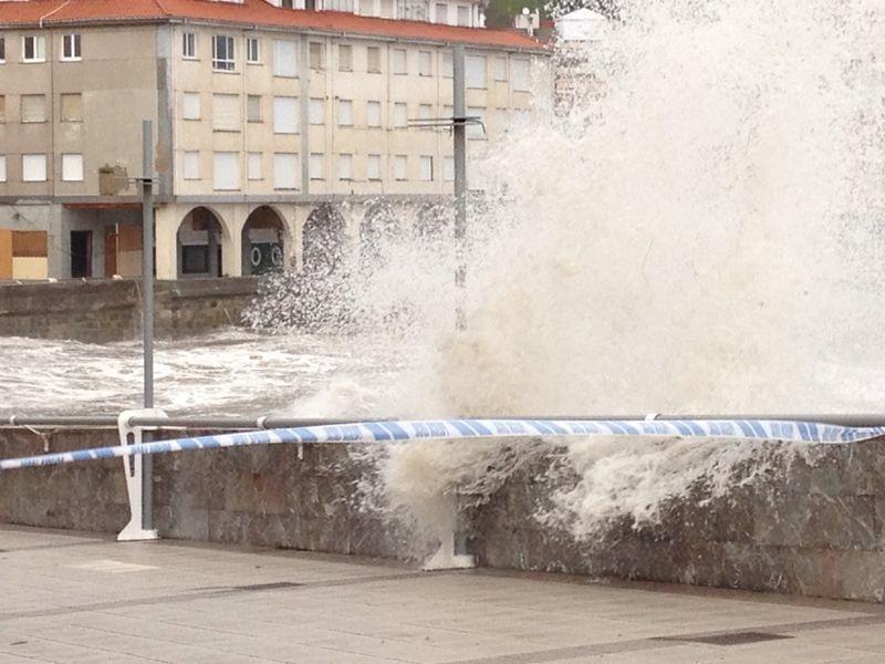 Protección Civil avisa por temporal marítimo al norte peninsular y por nieve a la Sierra de Madrid