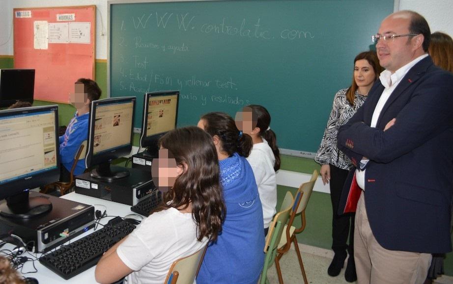 Un total de 5.000 escolares de 30 centros aprenderán a usar de forma responsable y segura las nuevas tecnologías