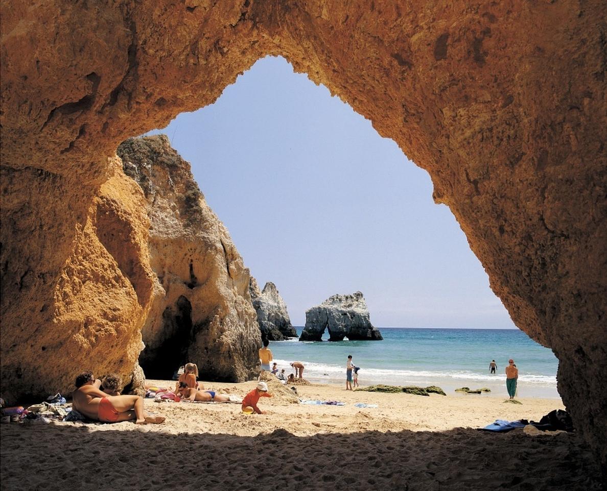 El Algarve (Portugal) muestra hoy sus atractivos turísticos a turoperadores y agentes turísticos en Salamanca
