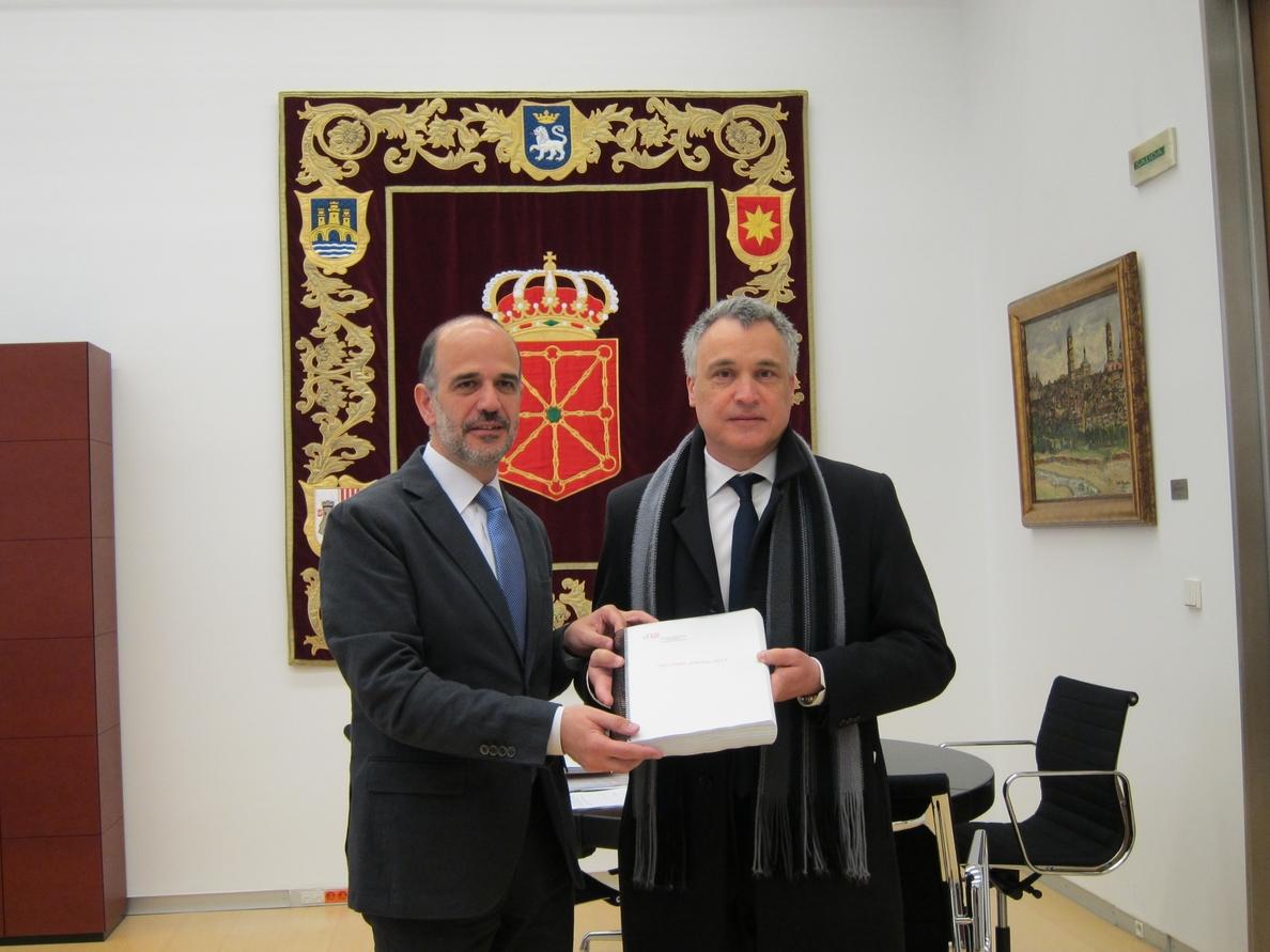 El Defensor del Pueblo de Navarra recibió el pasado año 954 quejas, la mayoría por problemas económicos y sociales