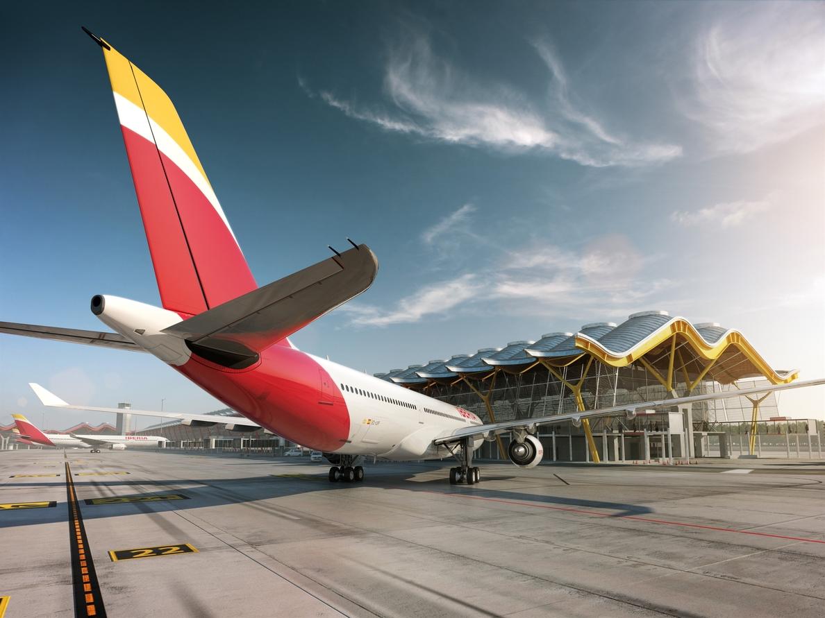 Iberia deberá pagar 600 euros a la diseñadora Purificación García por el retraso de cinco horas en su vuelo