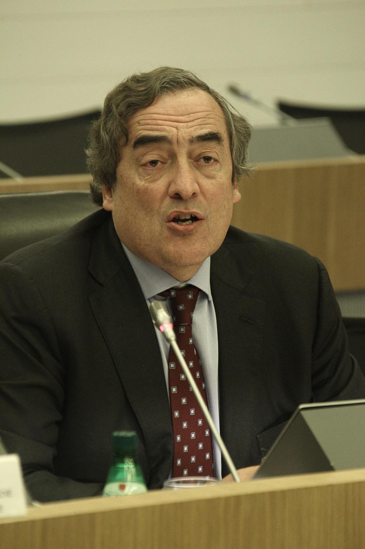 Juan Rosell dice que hay que «aceptar» la sentencia y buscar cualquier «puerta» para abordar el problema