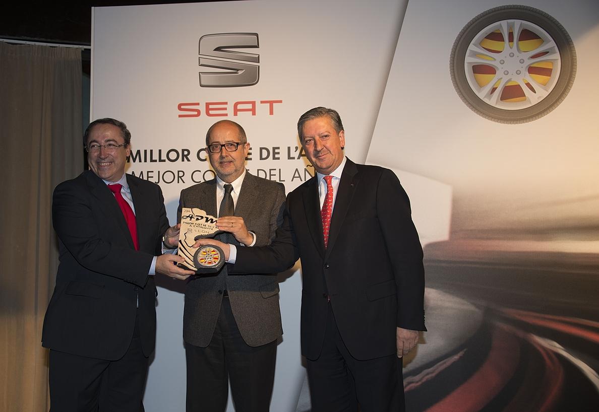 El Seat León recibe el Premio al »Mejor Coche del Año en Catalunya 2014»