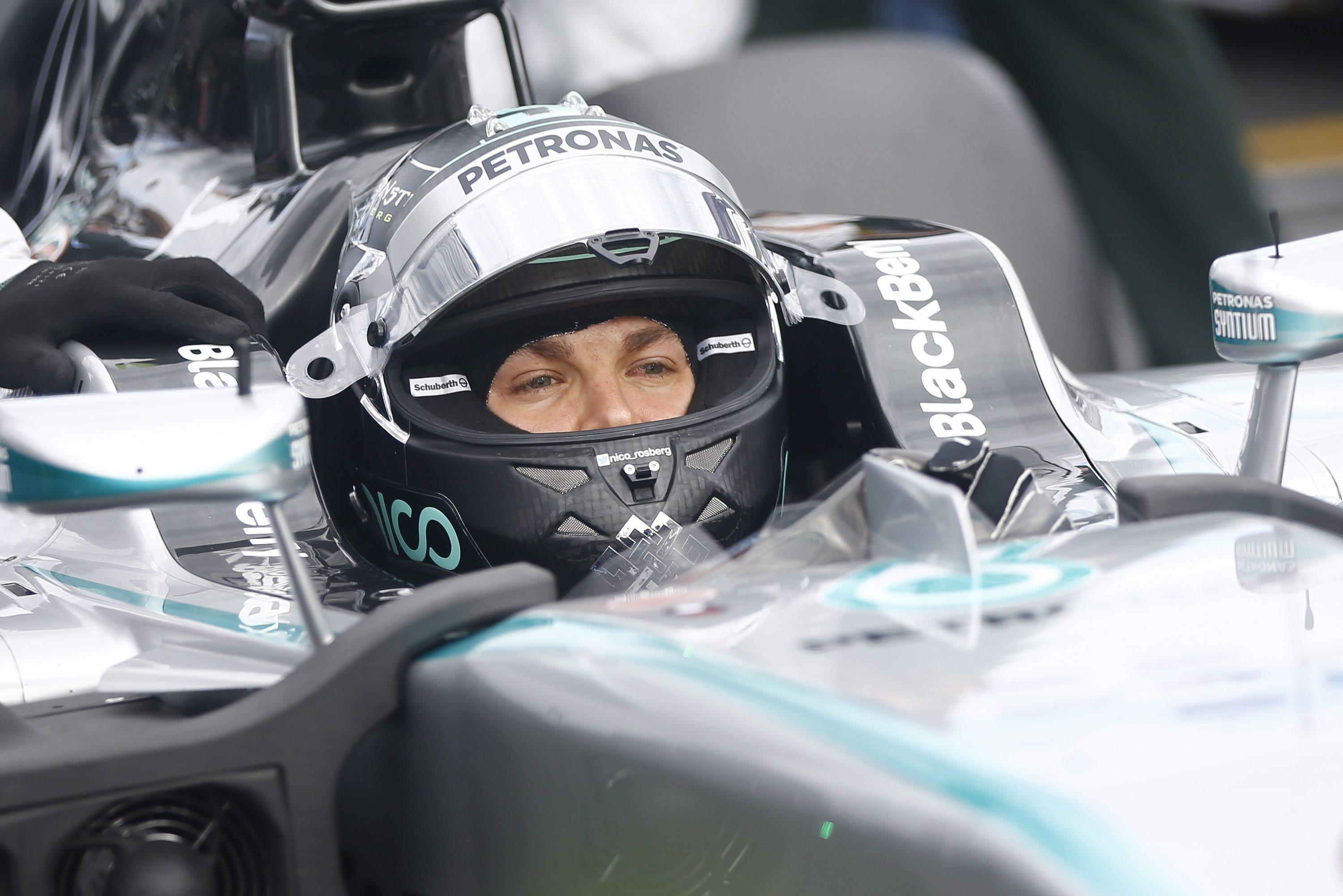 Rosberg estrena liderato en Sepang y sueña con igualar a su padre