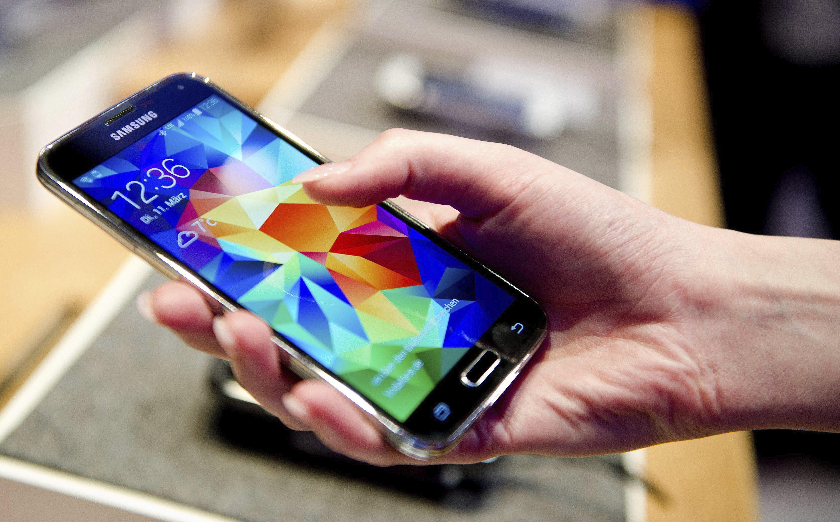 La nueva ley de Consumidores restringe por primera vez el  «spam telefónico»