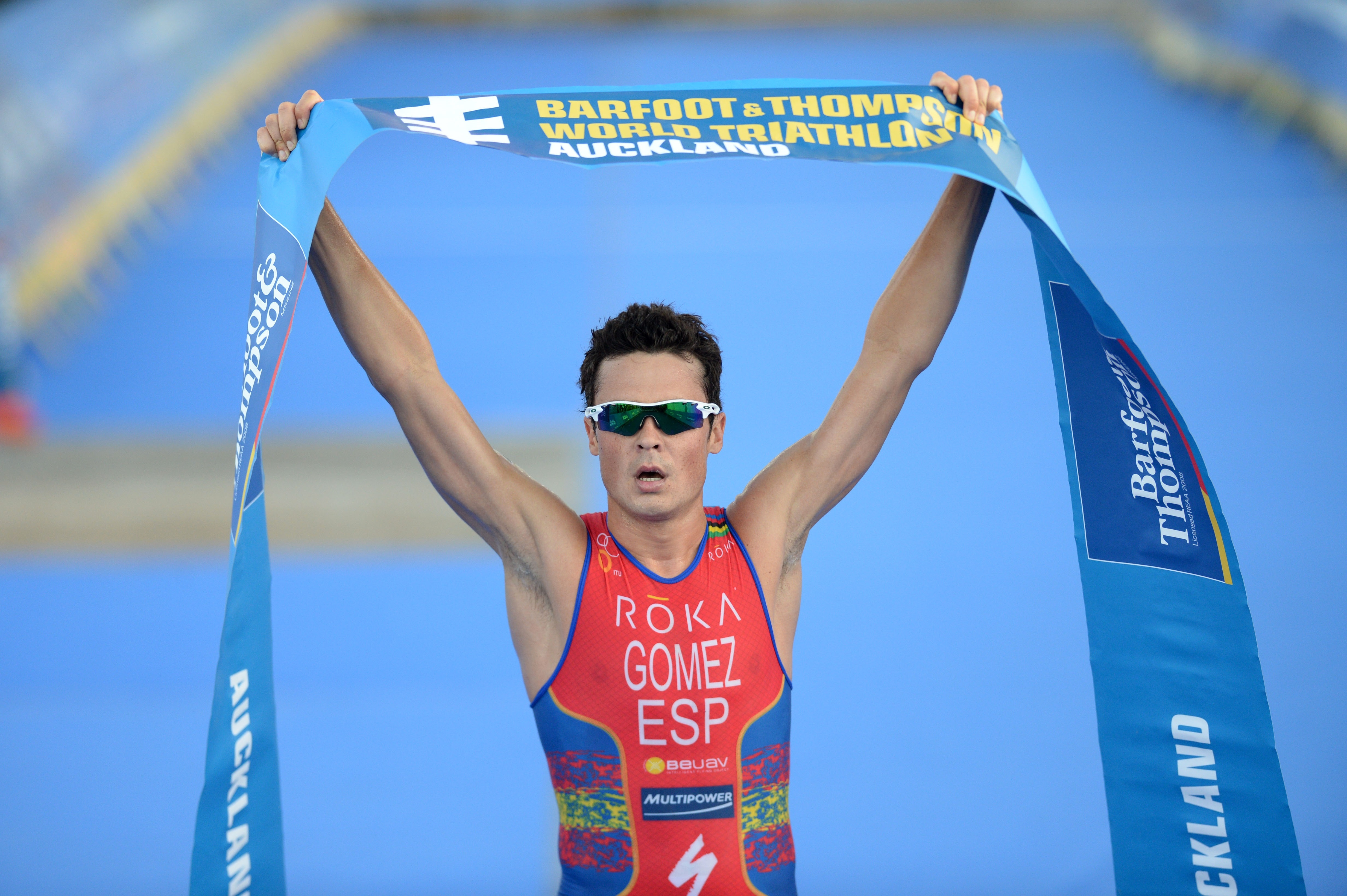 Gómez Noya vence en la primera prueba del Mundial de Triatlón