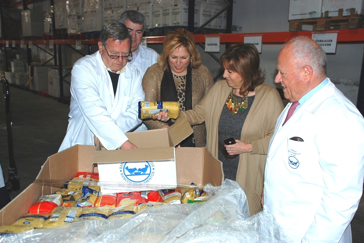 La Junta ensalza la labor solidaria de la Fundación Banco de Alimentos, que beneficia a 43.000 jiennenses
