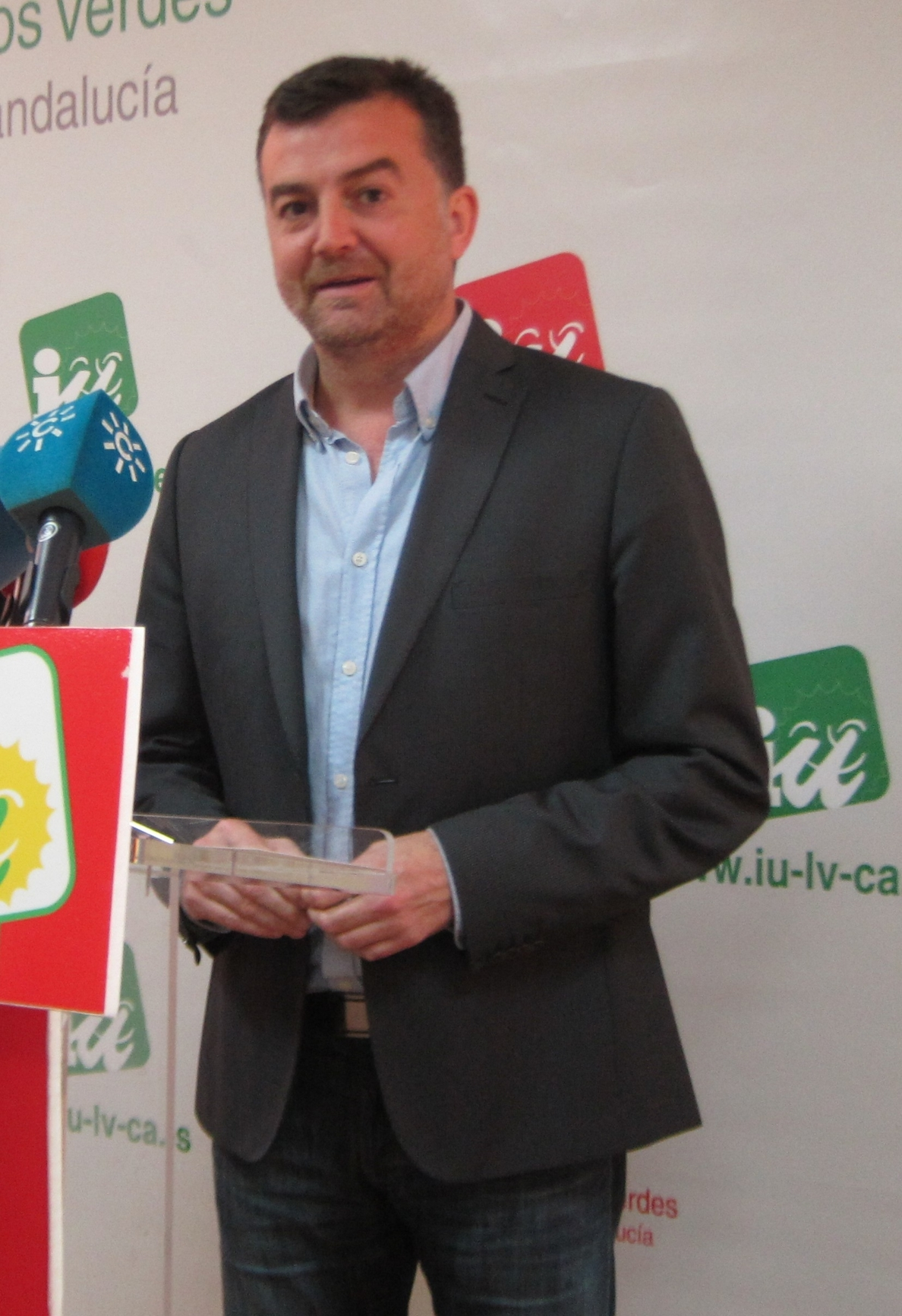 Maíllo advierte de que la compra de Deoleo por capital extranjero supondría «una auténtica tragedia» para el sector