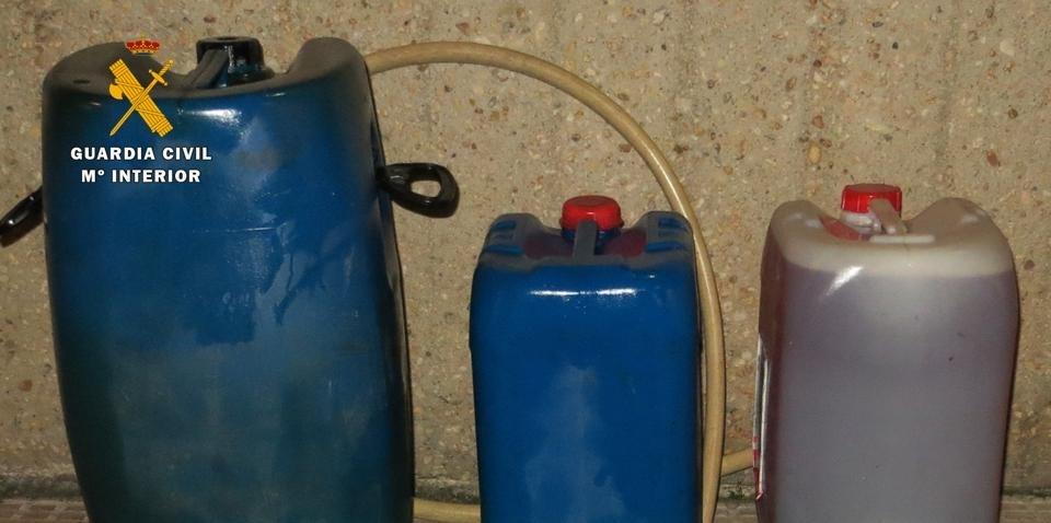 Dos detenidos en la N-I en Burgos por sustraer gasóleo de un repetidor de antena telefónica