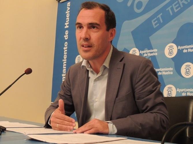 PSOE cifra la recaudación por veladores en el 22% y recuerda al alcalde que «subir tasas no supone recaudar más»