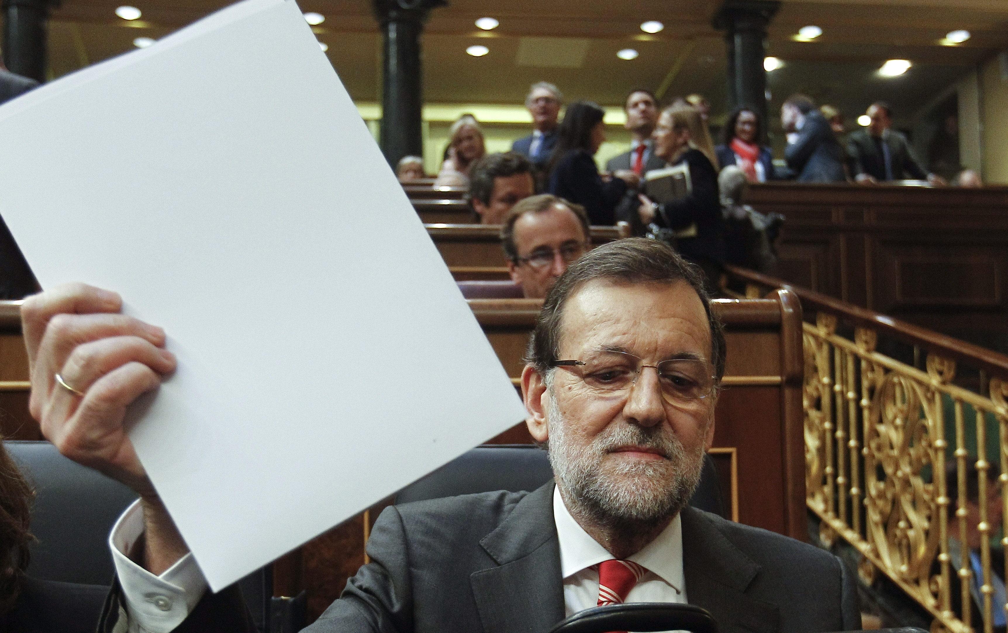 Rajoy añade que ama a Cataluña y que tal vez crea en ella «más que ustedes»