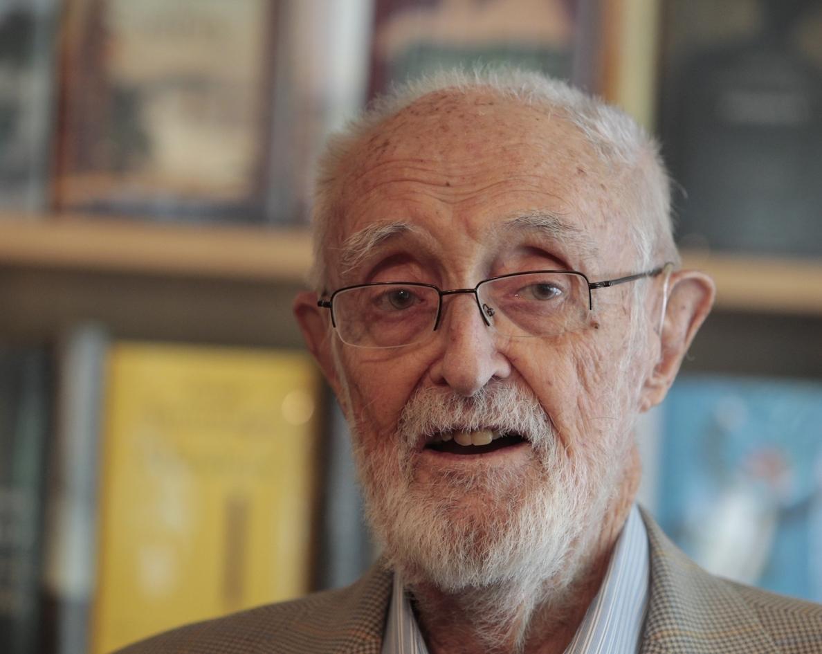 Sampedro se despide de sus lectores con »Sala de espera», su obra póstuma