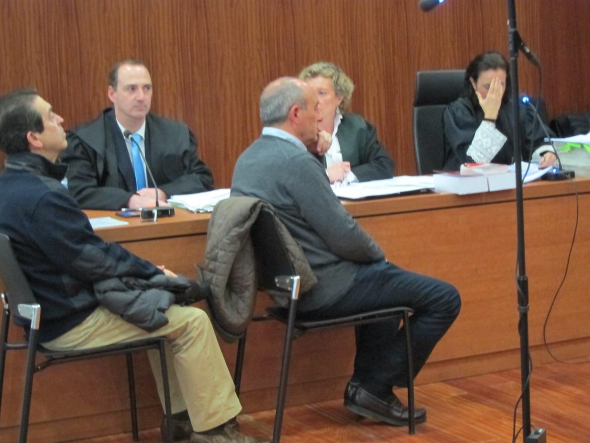 Becerril y Aured, condenados a seis meses de prisión por un delito de tráfico de influencias