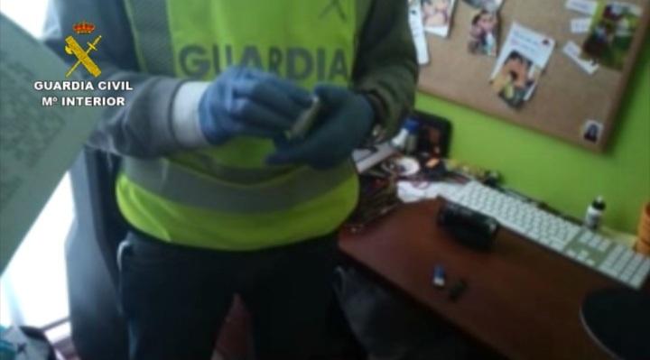 Detenido un joven de 25 años de Chipiona acusado de corrupción de menores a tres jóvenes de Badajoz y Huelva