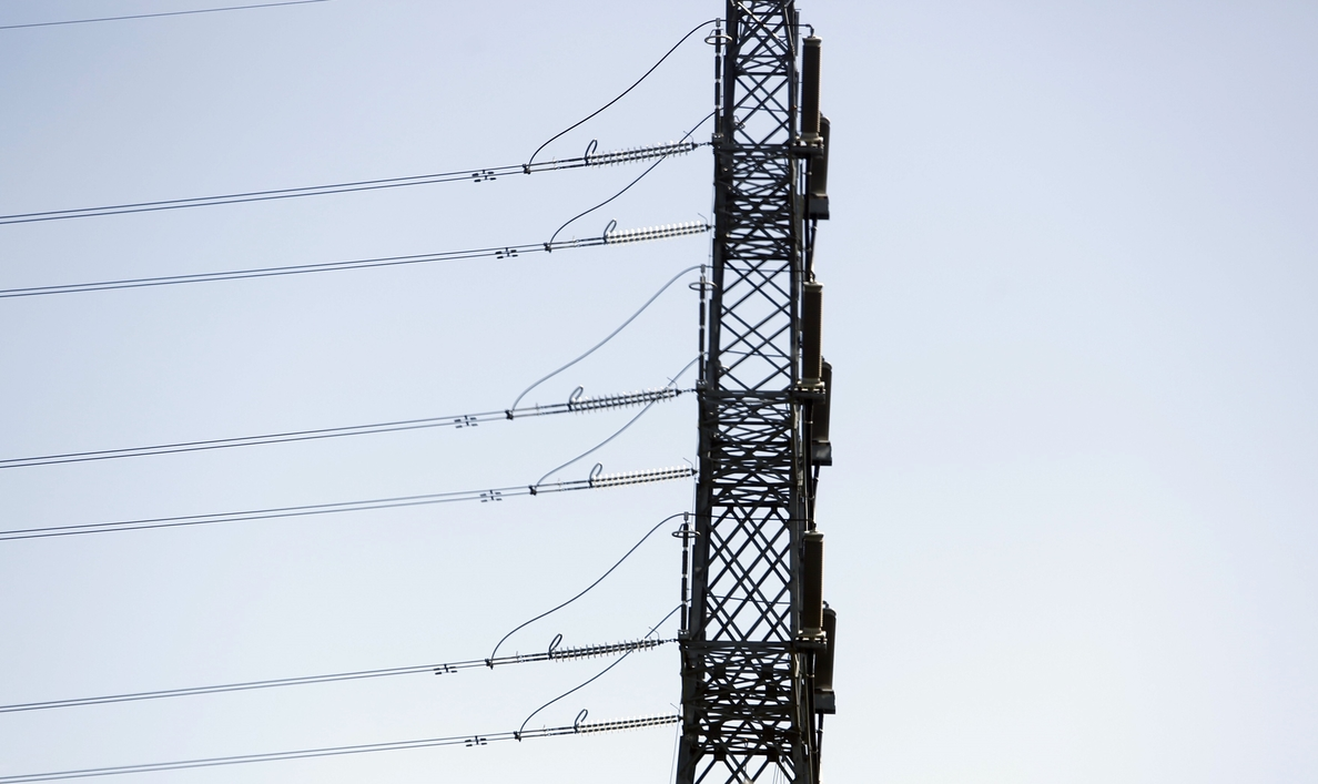 Economía/Energía- Facua pide a la Defensora del Pueblo que intervenga ante la «ilegalidad» del nuevo precio de la luz