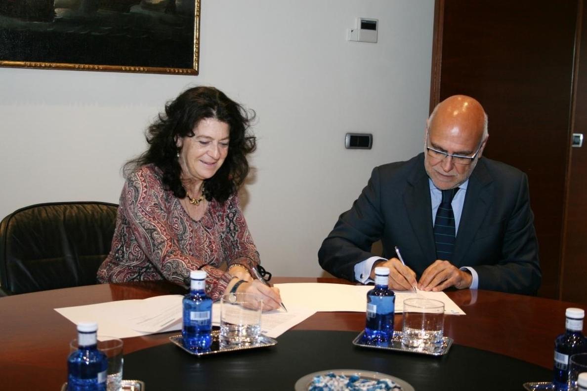 Extremadura firma un convenio para difundir el funcionamiento del sistema eléctrico y promover el ahorro energético