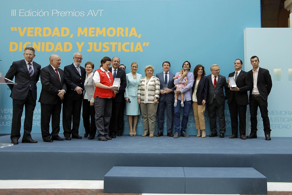 González dice que sufrimiento de víctimas sigue «cada vez que un político se apunta al borrón y cuenta nueva»