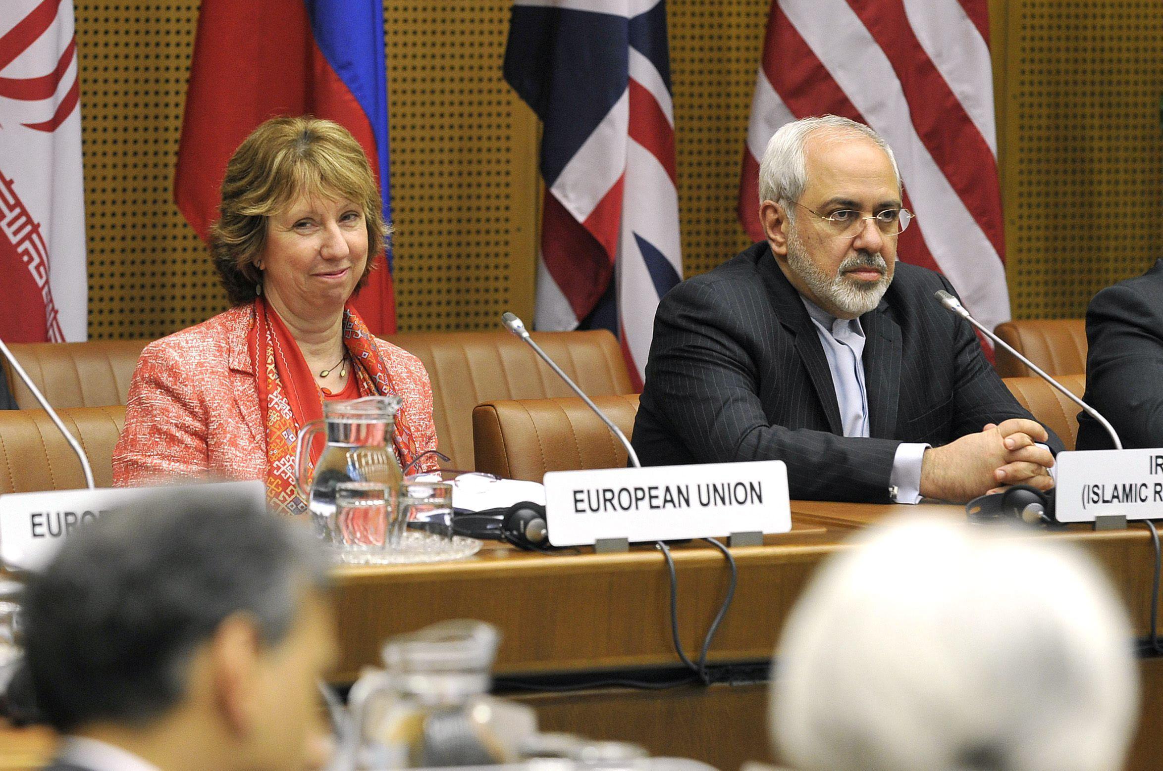 Irán y las grandes potencias seguirán negociando para superar las diferencias