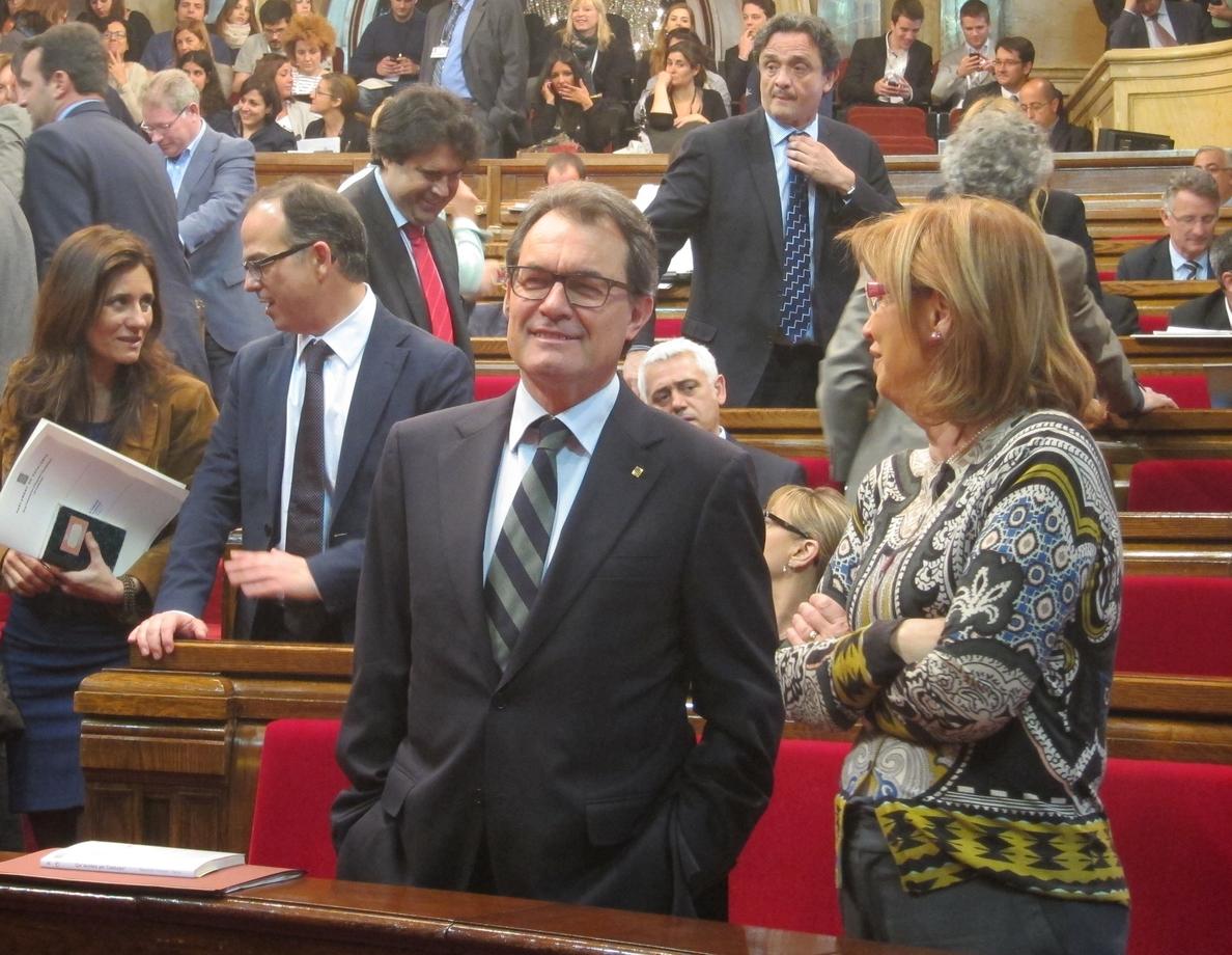 Mas pide «día y hora» a Rajoy y le reta a presentar una reforma constitucional