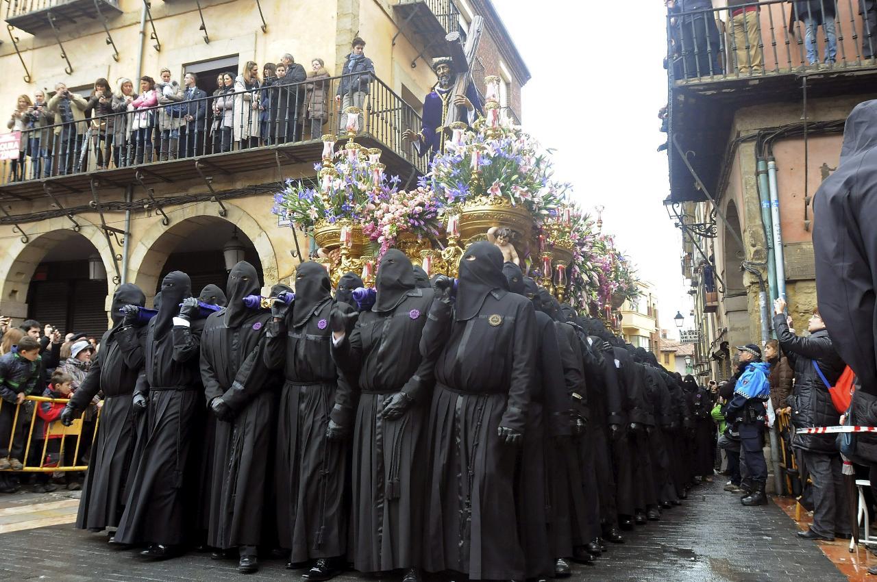 Horarios e Itinerarios de las procesiones de León en Semana Santa 2014
