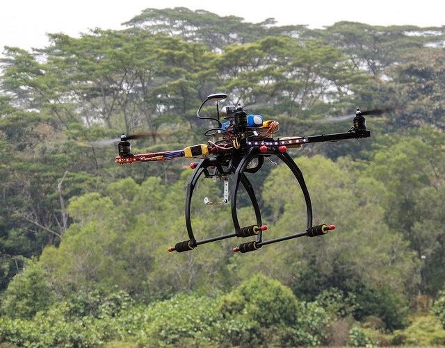 Fomento prohibe los drones civiles con usos comerciales en España
