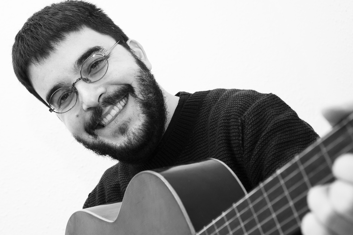 Tuco Requena presenta este viernes en el Teatro Arbolé su nuevo disco »Imperfecto»