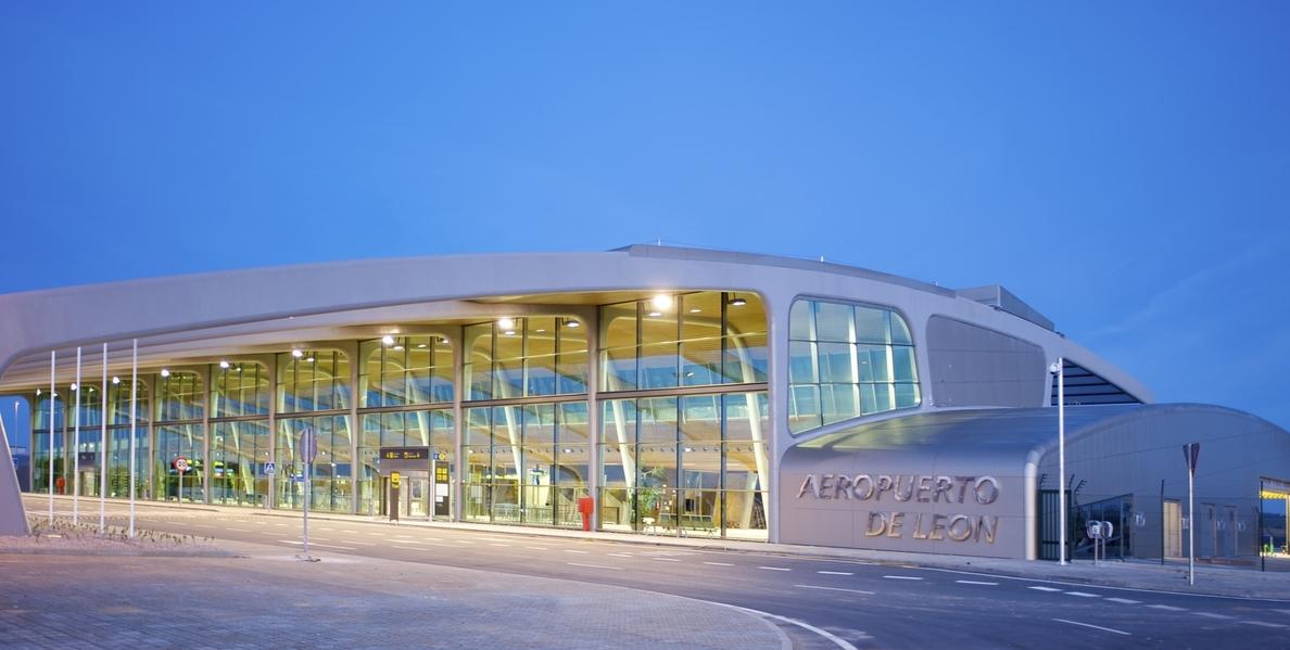 Los aeropuertos de Burgos y Valladolid pierden pasajeros en marzo, cuando se incrementan en León y Salamanca