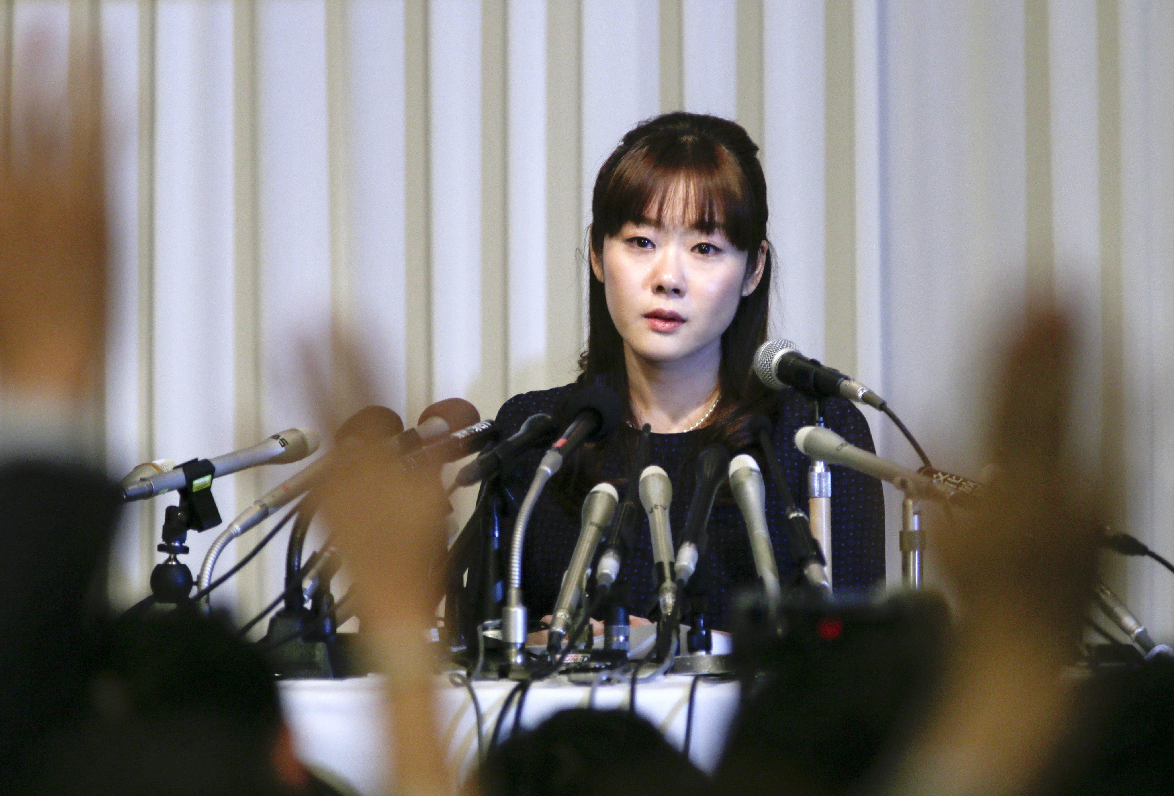 La investigadora nipona acusada de fraude admite errores pero defiende su hallazgo