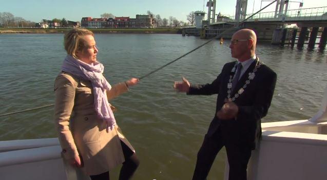 A esta reportera holandesa se le torció la entrevista con una pifia imprevista