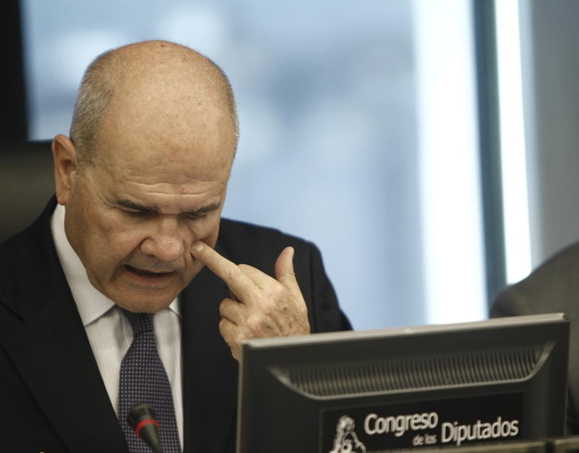 Chaves confía en que haya un «arreglo» en el Gobierno andaluz y que «pueda continuar»