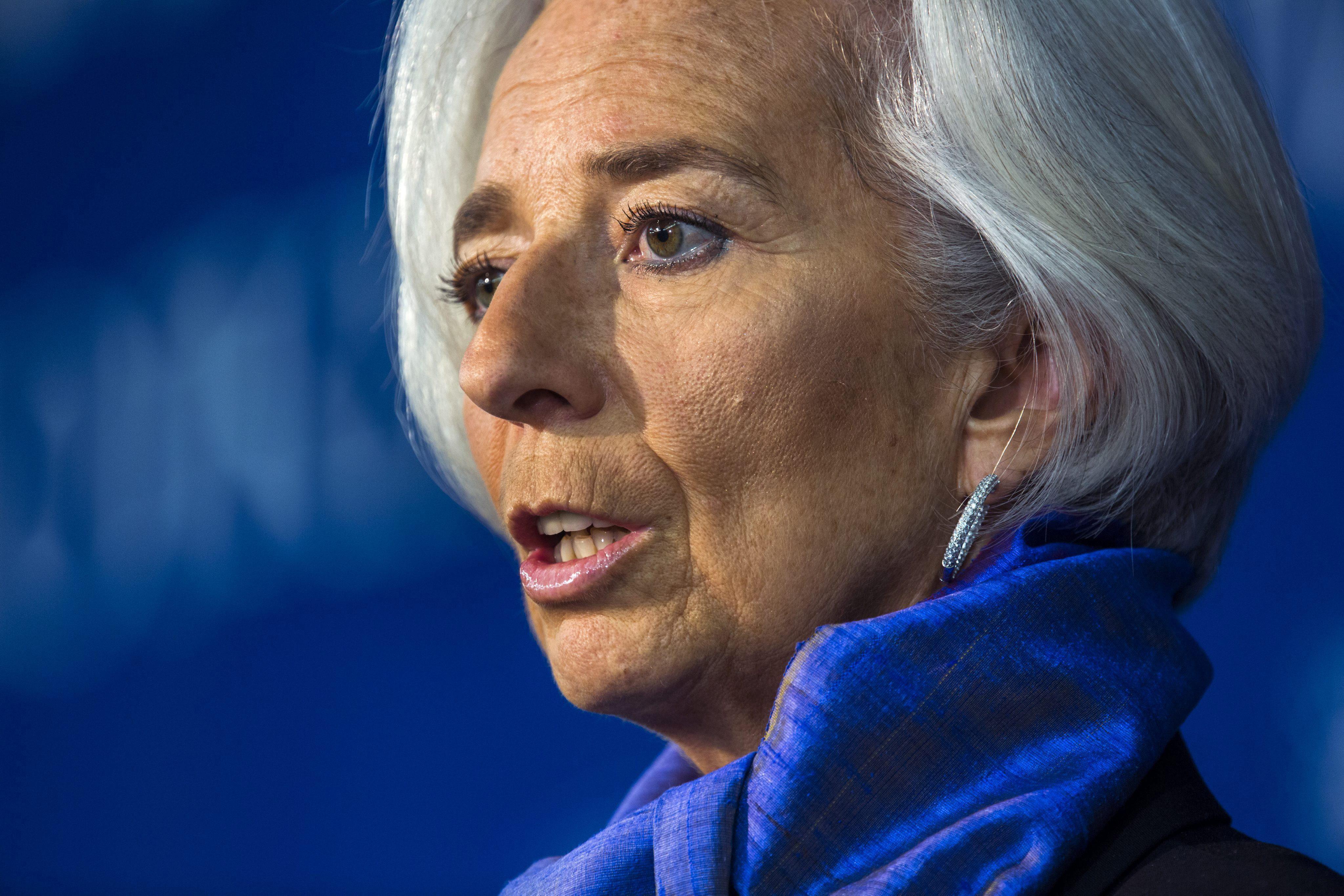 El FMI dice que la recuperación de la economía global todavía es débil y lenta