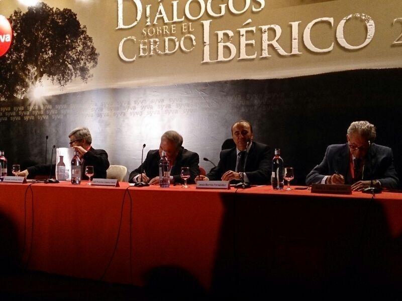 El Gobierno extremeño defiende la Norma de Calidad del Ibérico y subraya la necesidad de mantener un sector «fuerte»