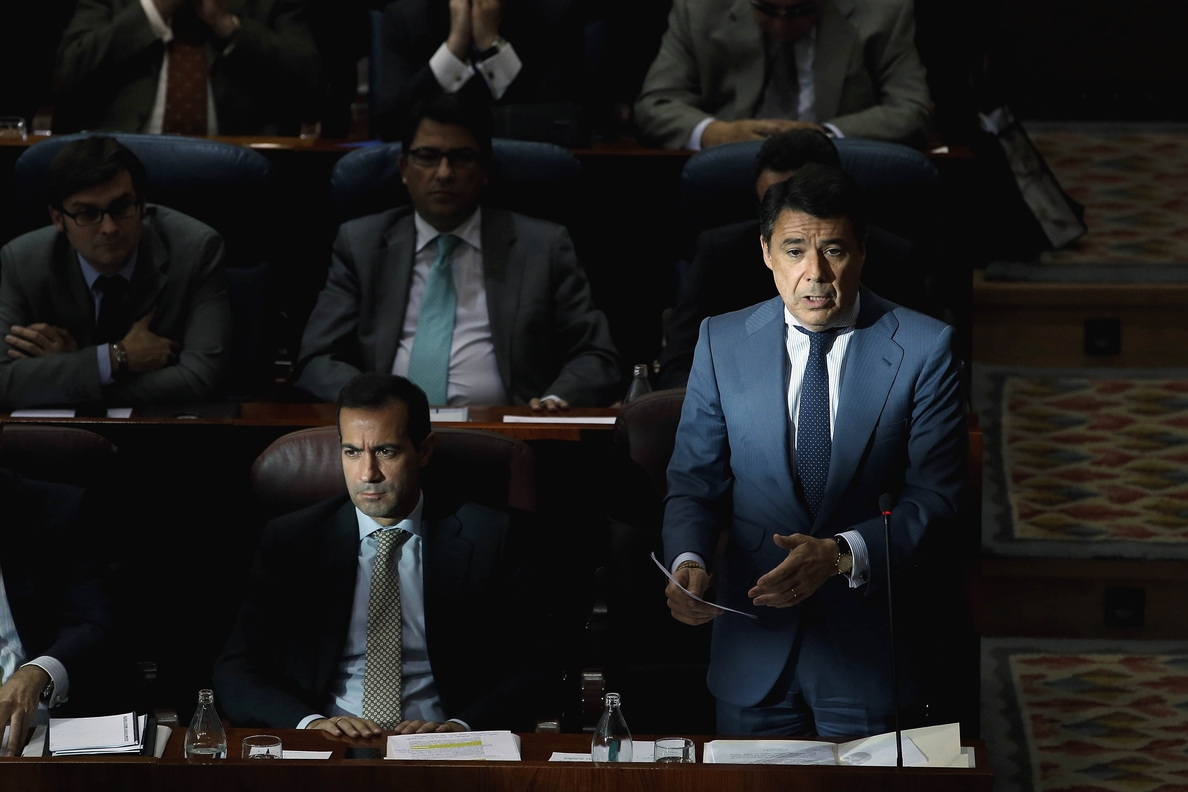 Ignacio González dice que lo que ha sucedido en Andalucía confirma que IU «se está colocando al margen del sistema»