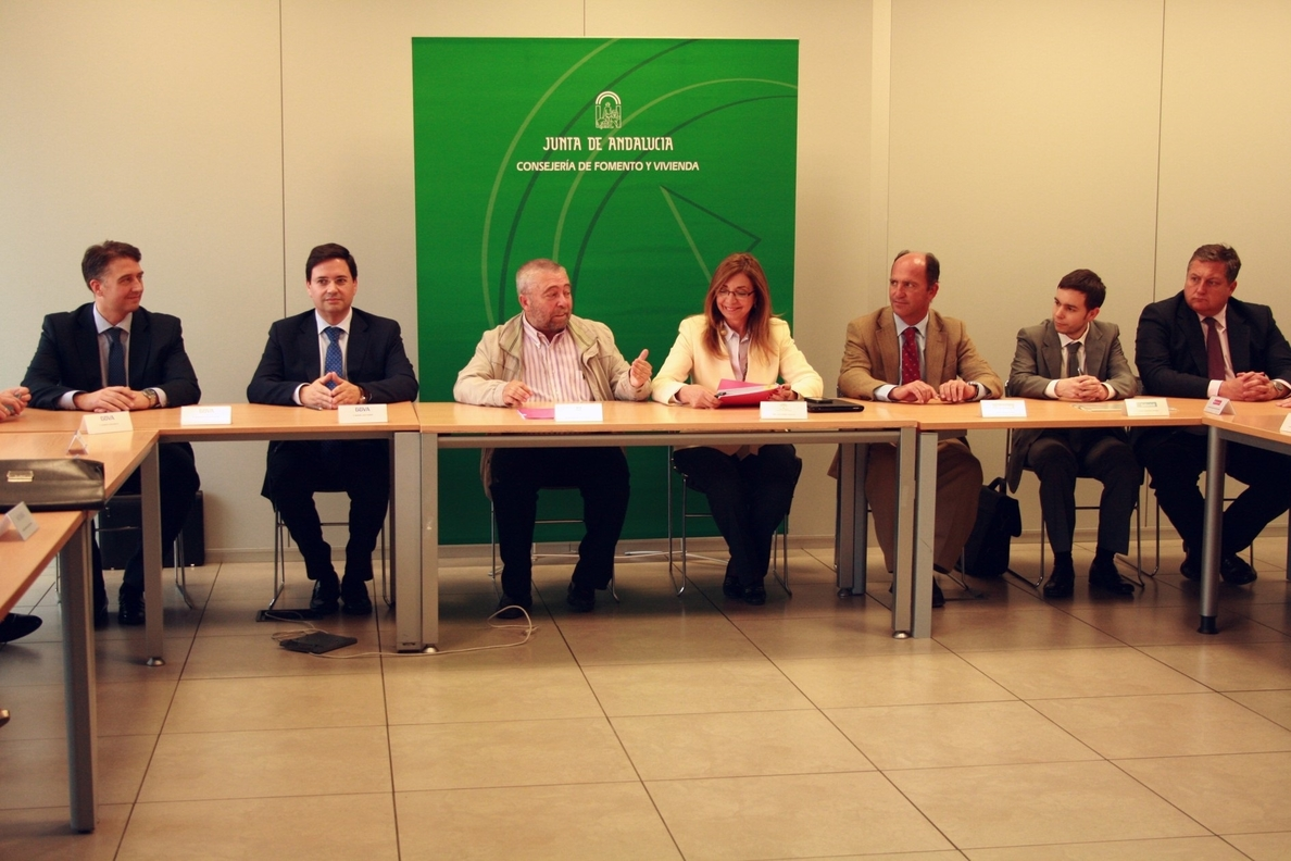 Metro de Granada firma un crédito por 85 millones para completar la financiación de la infraestructura
