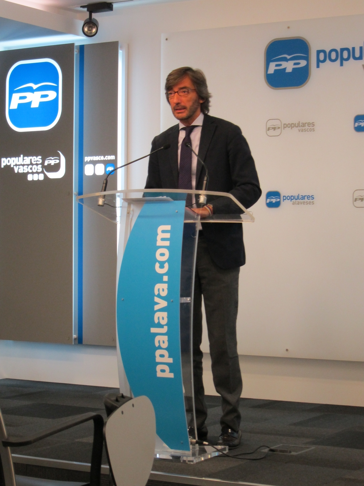 Oyarzábal apela a «mirar al futuro juntos» en el PP vasco porque el Congreso ya «quedó atrás»