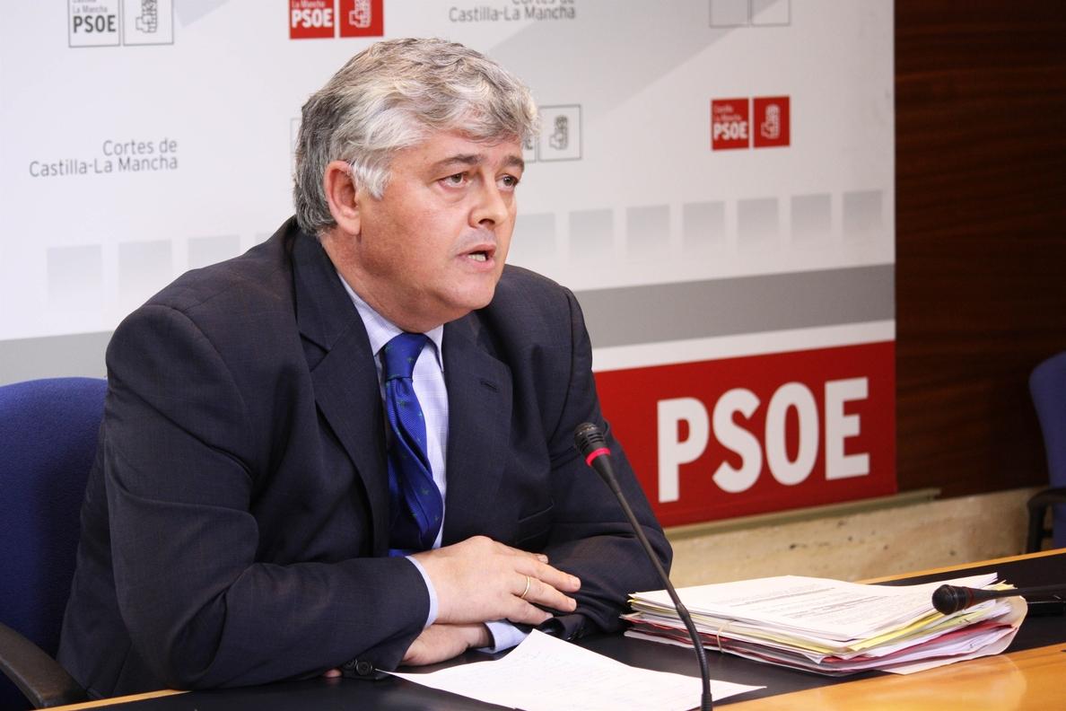 PSOE C-LM asegura que «Cañete será el representante en España de los hombres de negro»