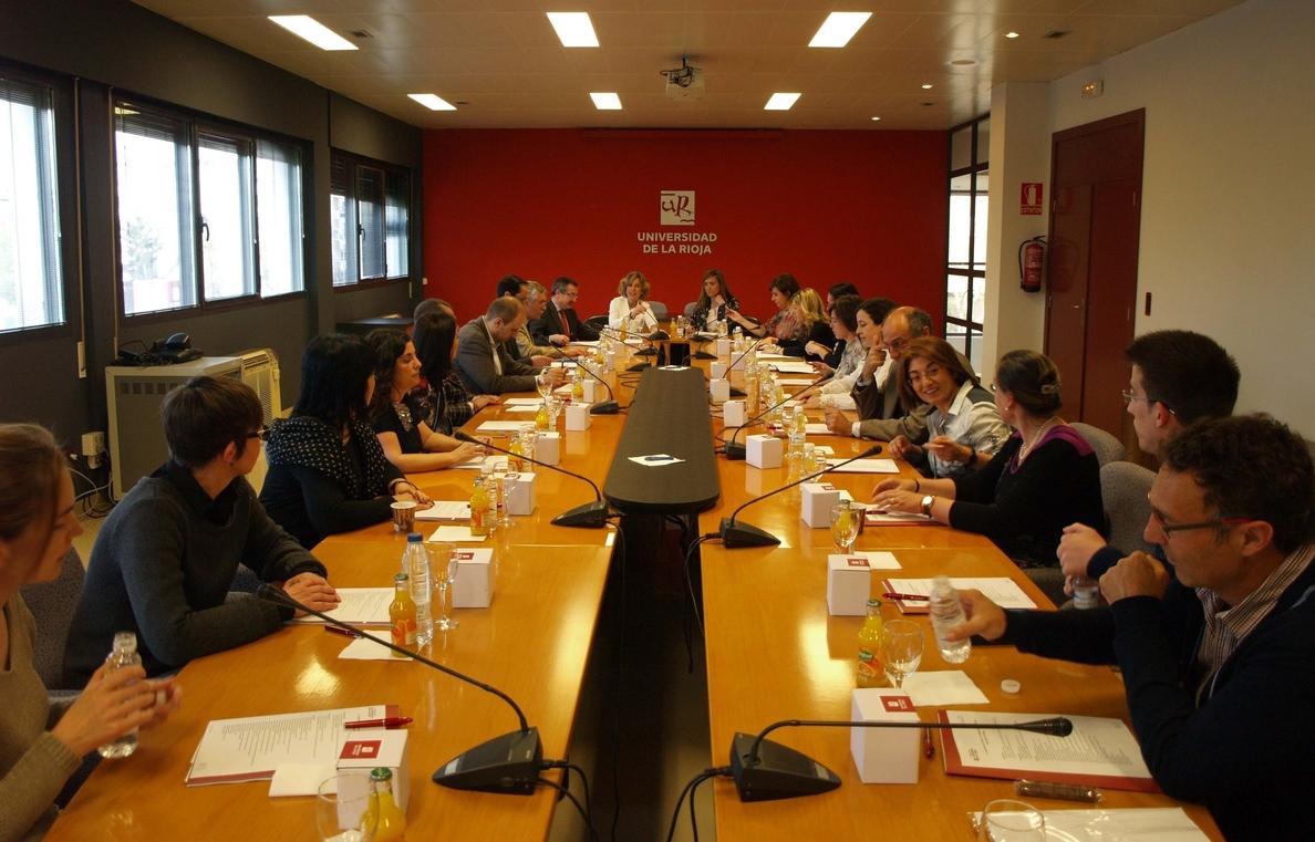 La UR presenta a los operadores jurídicos riojanos su oferta formativa en mediadores profesionales